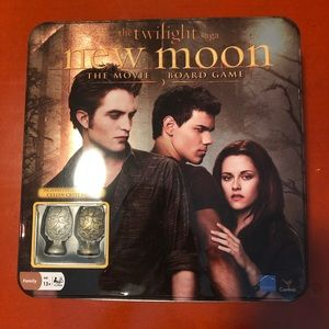 Twilight Saga: New Moon Board Game
